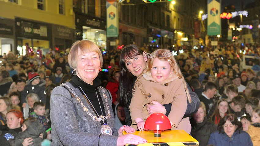 Image of Stirling Provost with Clara-Louise Hamill, who switched on Stirling's Christmas Lights 2019, and her gran Vivienne