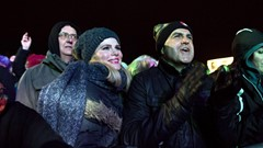 Crowd Celebrate Stirling's Hogmanay