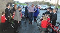 Chris Hoy meeting school children