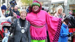 Provost and Street Entertainer, Christmas Light Switch on Event