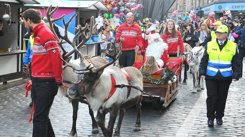 Image of Santa visiting Stirling Town Centre