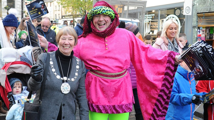 Image of Provost and Street Entertainer, Christmas Light Switch on Event
